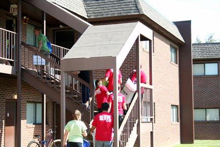 Faculy, Staff, And Returning Students Of Union University Help New Students  Move Their Things Part 82